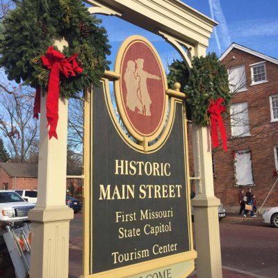 Christmas Traditions:  St. Charles, Missouri