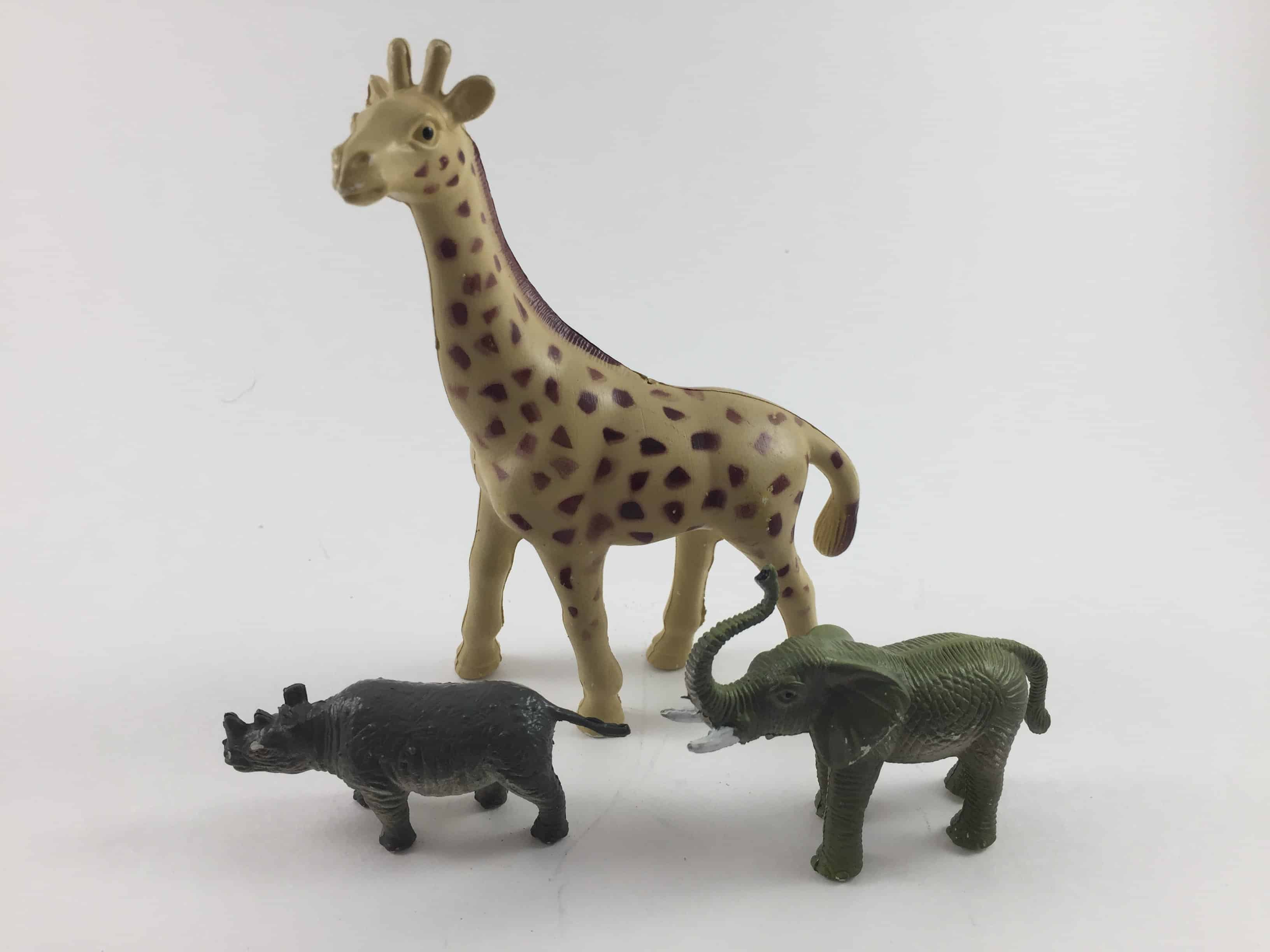 Plastic animals for refrigerator magnets