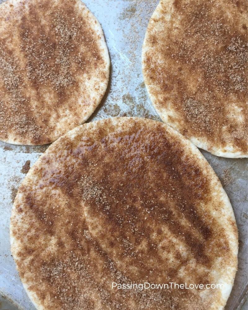 Cinnamon crisps